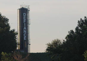 Picture of Defiance water tower.