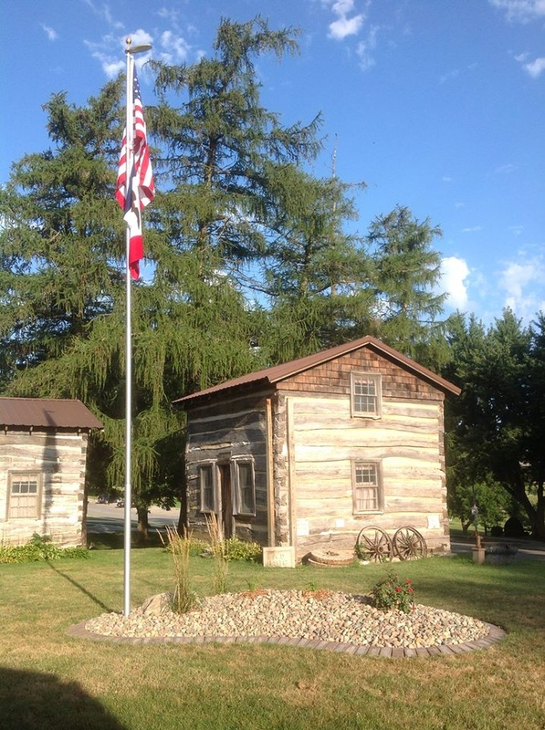 Picture of one of Shelby County Historical Museum cabinsn