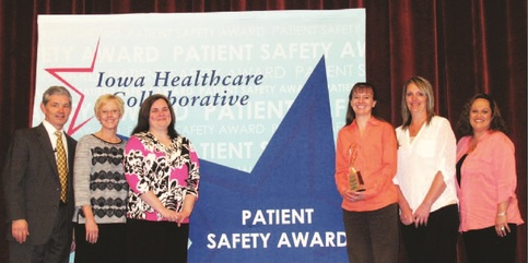 Picture of Mrytue Medical Centure receiving the 2016 Iowa Healthcare Collaborative (IHC) Patient Safety award.